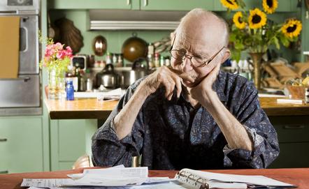 Některé pojistky ztrácí v penzi smysl, jiné naopak
