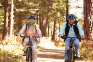seniori a jizda na kole